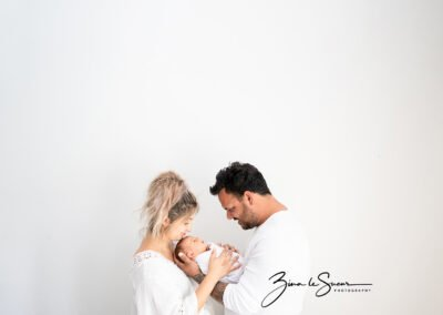 family-newborn-photoshoot-with-zina-le-sueur